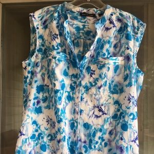 Violet & Claire Women's M  sleeveless blouse!